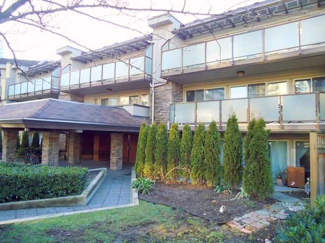 "Main Photo: 122 4363 HALIFAX Street in Burnaby: Brentwood Park Condo for sale in ""BRENT GARDENS"" (Burnaby North)  : MLS®# V866539"