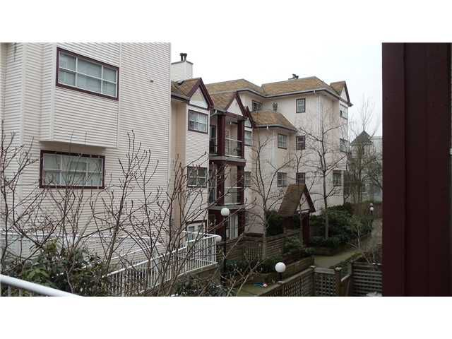 Main Photo: 404 3680 RAE Avenue in Vancouver: Collingwood VE Condo for sale (Vancouver East)  : MLS®# V866998