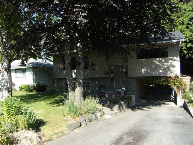 Main Photo: 1540 STEVENS Street: White Rock House for sale (South Surrey White Rock)  : MLS®# F1020224