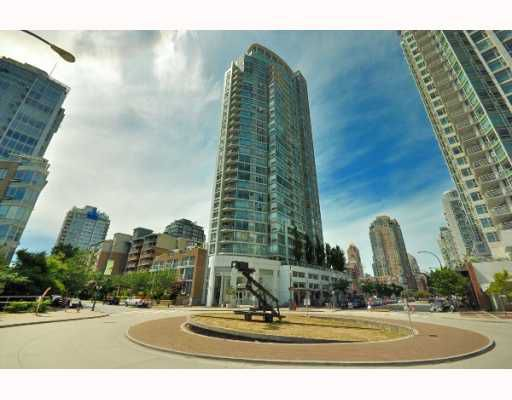 "Main Photo: 602 1201 MARINASIDE Crescent in Vancouver: False Creek North Condo for sale in ""THE PENINSULA"" (Vancouver West)  : MLS®# V777928"