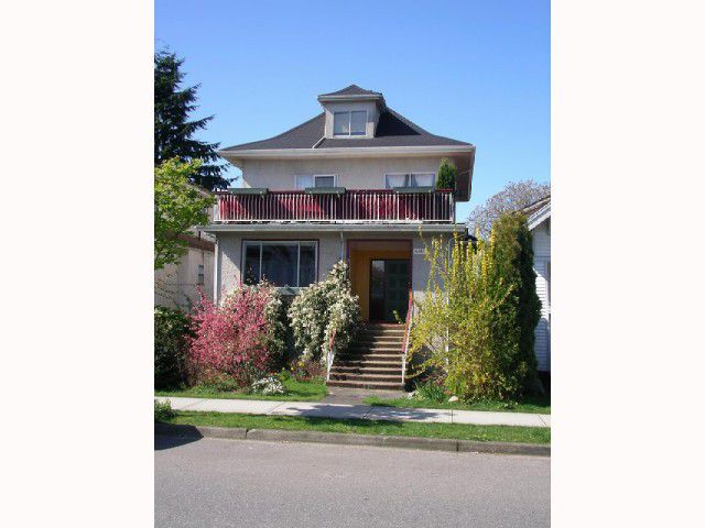 Main Photo: 2829 WOODLAND Drive in Vancouver: Grandview VE House for sale (Vancouver East)  : MLS®# V817003