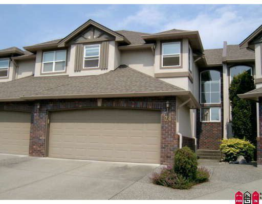 """Main Photo: 24 2525 YALE Court in Abbotsford: Abbotsford East Townhouse for sale in """"YALE COURT"""" : MLS®# F2908268"""