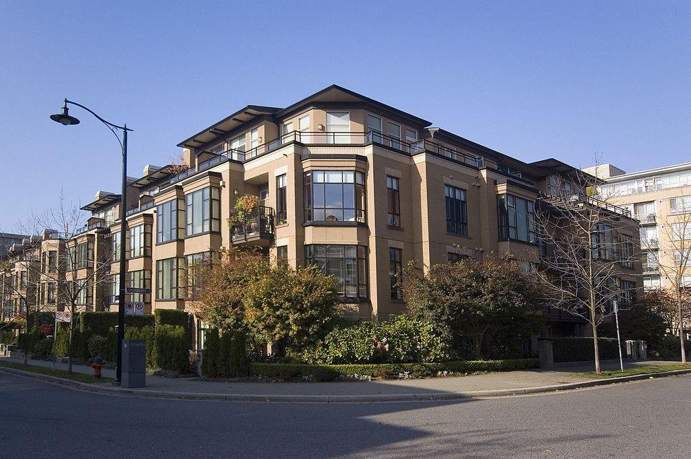 "Main Photo: 362 2175 SALAL Drive in Vancouver: Kitsilano Condo for sale in ""SAVONA"" (Vancouver West)  : MLS®# V853125"