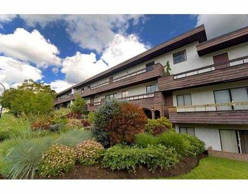 "Main Photo: 109 2025 W 2ND Avenue in Vancouver: Kitsilano Condo for sale in ""SEABREEZE"" (Vancouver West)  : MLS®# V727569"
