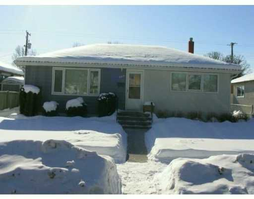 Main Photo:  in WINNIPEG: East Kildonan Single Family Detached for sale (North East Winnipeg)  : MLS®# 2701702