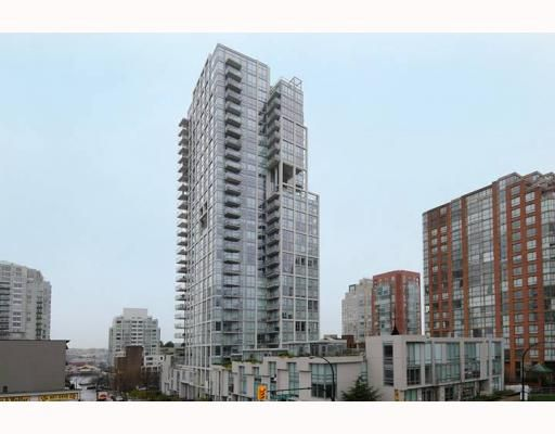 "Main Photo: 605 1455 HOWE Street in Vancouver: False Creek North Condo for sale in ""POMARIA"" (Vancouver West)  : MLS®# V798915"
