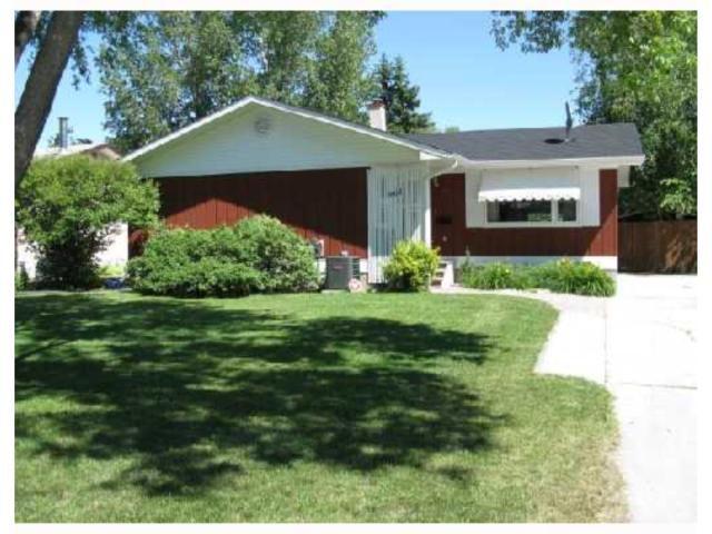 Main Photo: 961 CRESTVIEW PARK Drive in WINNIPEG: Westwood / Crestview Residential for sale (West Winnipeg)  : MLS®# 2814688
