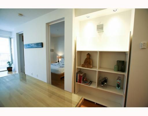 """Main Photo: 210 205 E 10TH Avenue in Vancouver: Mount Pleasant VE Condo for sale in """"THE HUB"""" (Vancouver East)  : MLS®# V804873"""