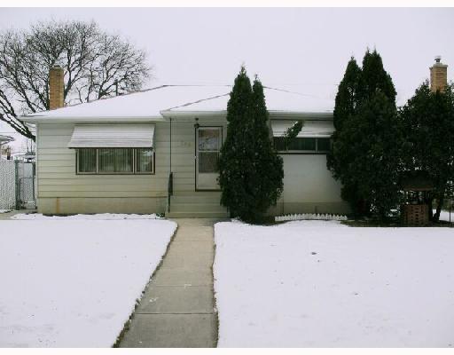 Main Photo:  in WINNIPEG: East Kildonan Residential for sale (North East Winnipeg)  : MLS®# 2821778