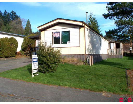 """Main Photo: 52 10221 WILSON Street in Mission: Stave Falls Manufactured Home for sale in """"TRIPLE CREEK MOBILE HOME PARK"""" : MLS®# F2832500"""