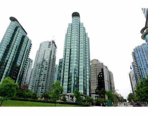 """Main Photo: 807 555 JERVIS Street in Vancouver: Coal Harbour Condo for sale in """"HARBOURSIDE PARK"""" (Vancouver West)  : MLS®# V768157"""