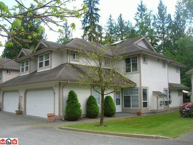 "Main Photo: 22 9025 216TH Street in Langley: Walnut Grove Townhouse for sale in ""COVENTRY WOODS"" : MLS®# F1012745"