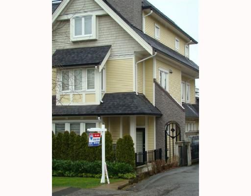 """Main Photo: 1638 ARBUTUS Street in Vancouver: Kitsilano Townhouse for sale in """"KITS MEWS"""" (Vancouver West)  : MLS®# V749854"""