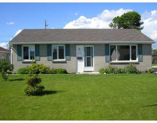 Main Photo: 63 JAMESWOOD Drive in WINNIPEG: St James Residential for sale (West Winnipeg)  : MLS®# 2811333