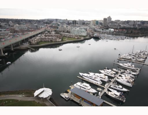 """Main Photo: 2706 1033 MARINASIDE Crescent in Vancouver: False Creek North Condo for sale in """"QUAYWEST 1"""" (Vancouver West)  : MLS®# V748425"""