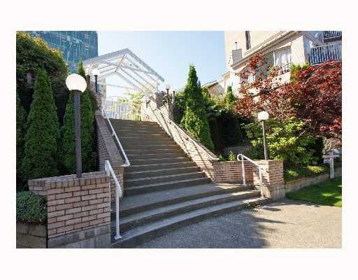 "Main Photo: 103 788 W 8TH Avenue in Vancouver: Fairview VW Condo for sale in ""THE FORTUNA"" (Vancouver West)  : MLS®# V769550"