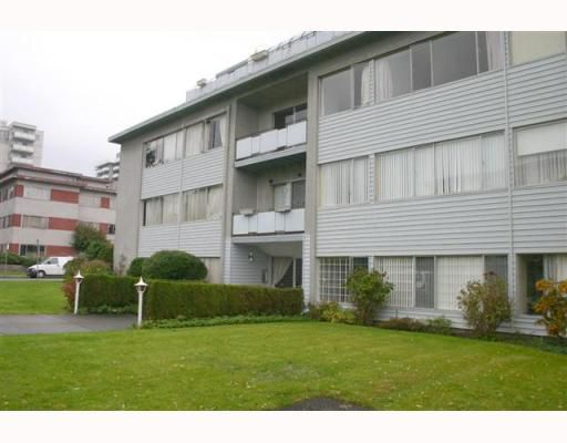 """Main Photo: 301 1216 W 11TH Avenue in Vancouver: Fairview VW Condo for sale in """"LINDEN COURT LTD."""" (Vancouver West)  : MLS®# V760012"""