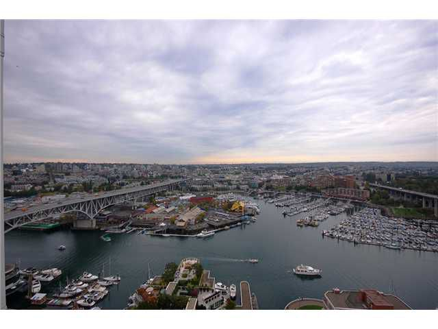 "Main Photo: 2701 1500 HORNBY Street in Vancouver: False Creek North Condo for sale in ""888 BEACH"" (Vancouver West)  : MLS®# V853880"