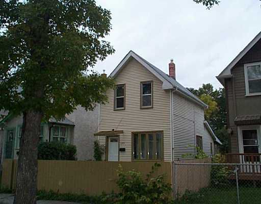 Main Photo: 499 TORONTO Street in WINNIPEG: West End / Wolseley Residential for sale (West Winnipeg)  : MLS®# 2908997
