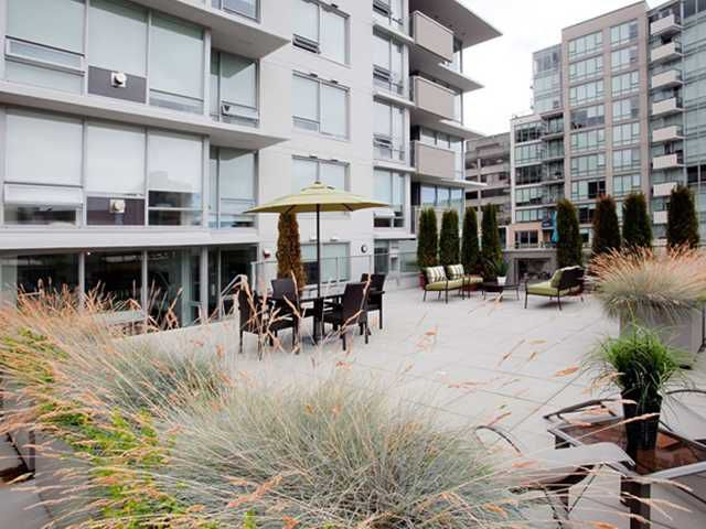 """Main Photo: 307 1675 W 8TH Avenue in Vancouver: Fairview VW Condo for sale in """"CAMERA"""" (Vancouver West)  : MLS®# V842603"""