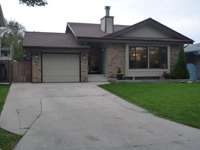 Main Photo: 54 ARBOR Grove in WINNIPEG: North Kildonan Residential for sale (North East Winnipeg)  : MLS®# 1018189