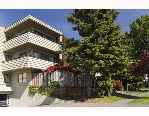"""Main Photo: 304 8707 HUDSON Street in Vancouver: Marpole Condo for sale in """"LANDMARK HUDSON"""" (Vancouver West)  : MLS®# V768550"""