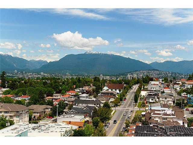 "Main Photo: 905 3438 VANNESS Avenue in Vancouver: Collingwood VE Condo for sale in ""CENTRO"" (Vancouver East)  : MLS®# V841006"