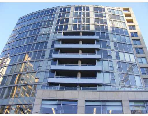 "Main Photo: 501 822 SEYMOUR Street in Vancouver: Downtown VW Condo for sale in ""L'ARIA"" (Vancouver West)  : MLS®# V752289"