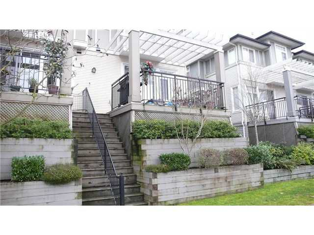 "Main Photo: 4 1010 EWEN Avenue in New Westminster: Queensborough Townhouse for sale in ""WINDSOR MEWS"" : MLS®# V865507"