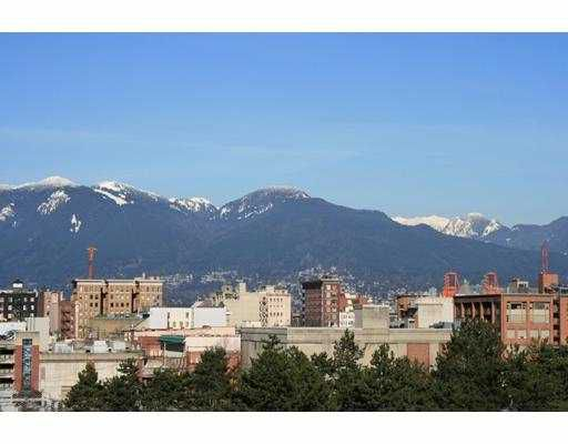 """Main Photo: 802 120 MILROSS Avenue in Vancouver: Mount Pleasant VE Condo for sale in """"THE BRIGHTON"""" (Vancouver East)  : MLS®# V726873"""
