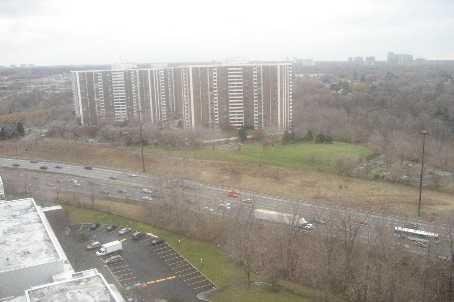 Main Photo: 11 100 Leeward Glenway in Toronto: Condo for sale (C11: TORONTO)  : MLS®# C1519462