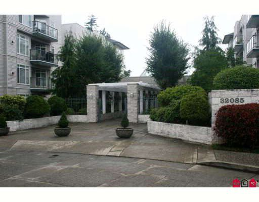 "Main Photo: 209 32075 GEORGE FERGUSON Way in Abbotsford: Abbotsford West Condo for sale in ""ARBOUR COURT"" : MLS®# F2918344"