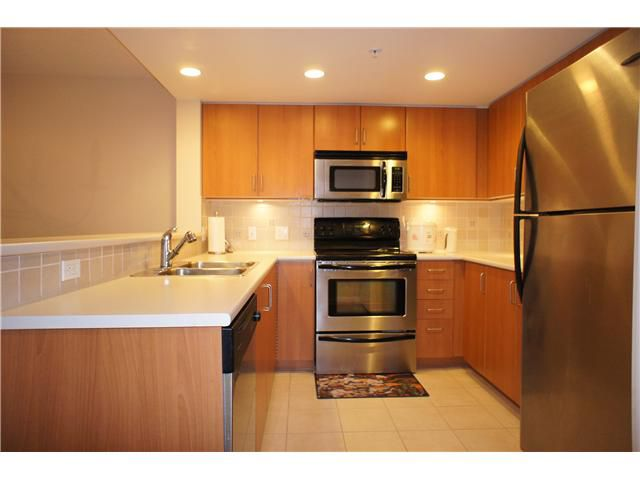 "Main Photo: 607 295 GUILDFORD Way in Port Moody: North Shore Pt Moody Condo for sale in ""THE BENTLEY"" : MLS®# V868346"