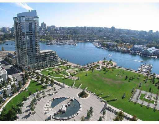 """Main Photo: 1502 583 BEACH Crescent in Vancouver: False Creek North Condo for sale in """"Two Park West"""" (Vancouver West)  : MLS®# V784905"""