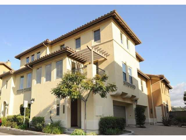 Main Photo: MISSION VALLEY Home for sale or rent : 3 bedrooms : 2752 Piantino in San Diego