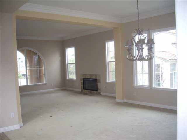 Main Photo: SOUTH ESCONDIDO House for sale : 5 bedrooms : 2098 Amparo in Escondido
