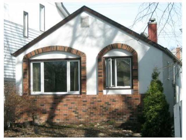 Main Photo: 907 ASHBURN Street in WINNIPEG: West End / Wolseley Residential for sale (West Winnipeg)  : MLS®# 2906076