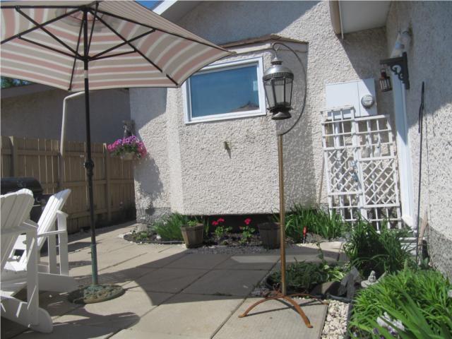 Photo 2: Photos: 1851 PLESSIS Road in WINNIPEG: Transcona Residential for sale (North East Winnipeg)  : MLS®# 1011904