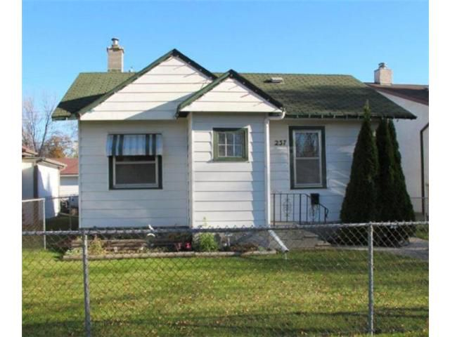 Main Photo:  in WINNIPEG: East Kildonan Residential for sale (North East Winnipeg)  : MLS®# 1020843