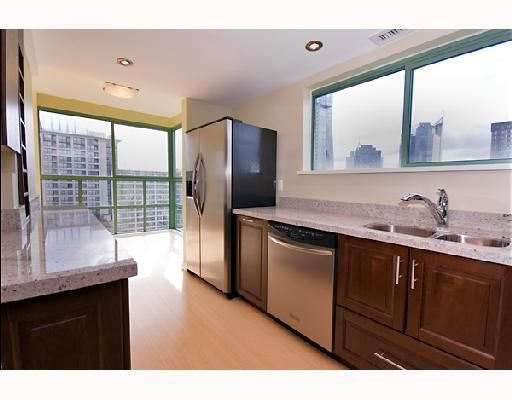 """Main Photo: 1704 909 BURRARD Street in Vancouver: West End VW Condo for sale in """"THE VANCOUVER TOWER"""" (Vancouver West)  : MLS®# V743079"""