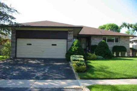 Main Photo: 174 Greyabbey Trail in Toronto: House (Bungalow-Raised) for lease (E10: TORONTO)  : MLS®# E1434173