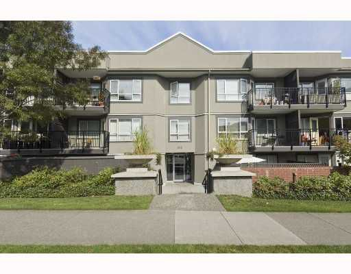 "Main Photo: 101 555 W 14TH Avenue in Vancouver: Fairview VW Condo for sale in ""CAMBRIDGE PLACE"" (Vancouver West)  : MLS®# V736986"