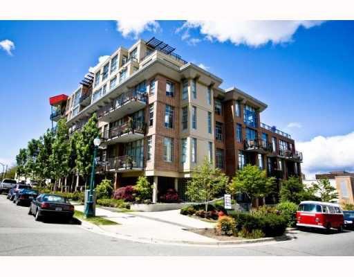 """Main Photo: 101 2635 PRINCE EDWARD Street in Vancouver: Mount Pleasant VE Condo for sale in """"Soma Lofts"""" (Vancouver East)  : MLS®# V767580"""