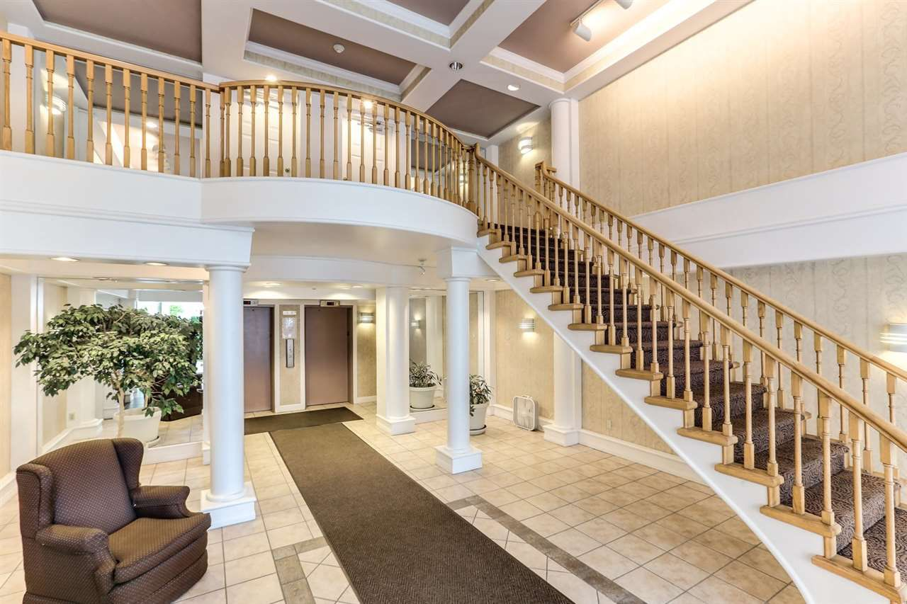 """Main Photo: 305 6611 MINORU Boulevard in Richmond: Brighouse Condo for sale in """"Regency Towers"""" : MLS®# R2388288"""