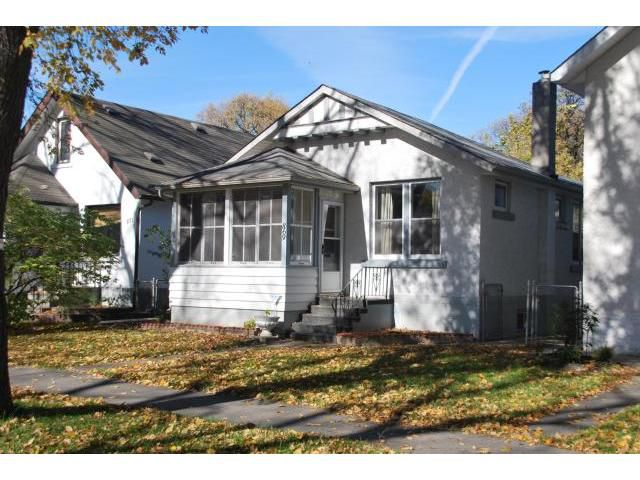 Main Photo: 869 GARWOOD Avenue in WINNIPEG: Fort Rouge / Crescentwood / Riverview Residential for sale (South Winnipeg)  : MLS®# 1019656