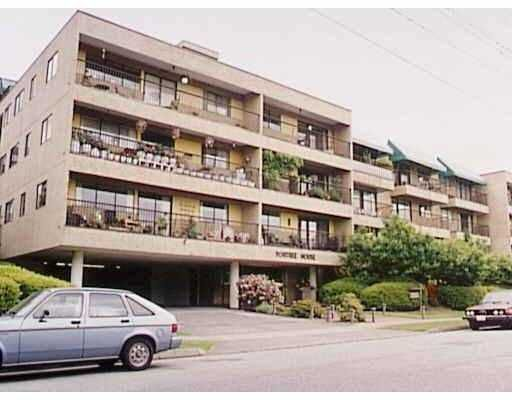 """Main Photo: 304 330 E 1ST ST in North Vancouver: Lower Lonsdale Condo for sale in """"PORTREE HOUSE"""" : MLS®# V547373"""