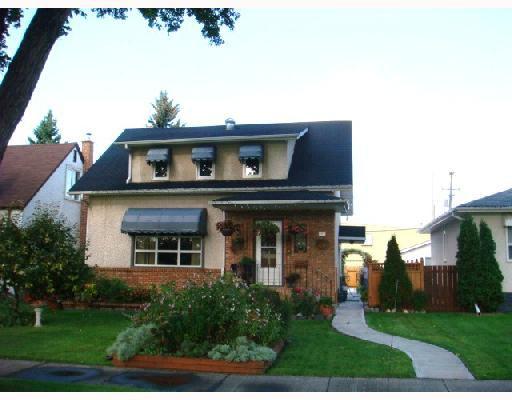 Main Photo: 915 BANNATYNE Avenue in WINNIPEG: Brooklands / Weston Residential for sale (West Winnipeg)  : MLS®# 2816909