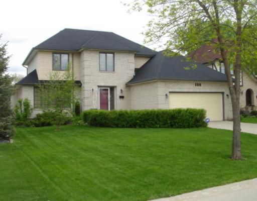 Main Photo: 169 REDVIEW Drive in WINNIPEG: St Vital Residential for sale (South East Winnipeg)  : MLS®# 2910315
