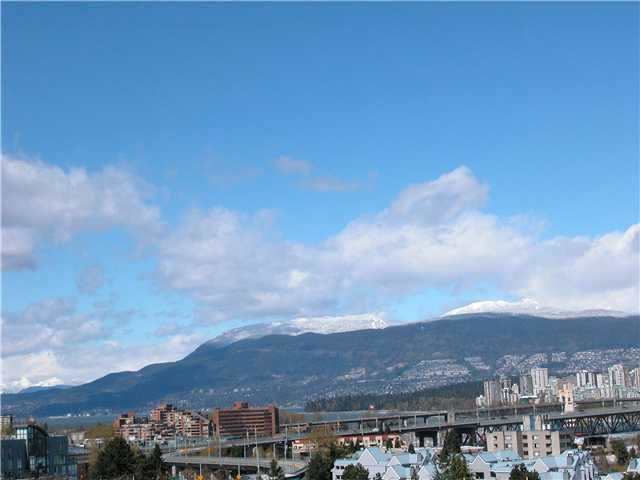 """Main Photo: 1307 W 8TH Avenue in Vancouver: Fairview VW Townhouse for sale in """"FAIRVIEW VILLAGE"""" (Vancouver West)  : MLS®# V820028"""