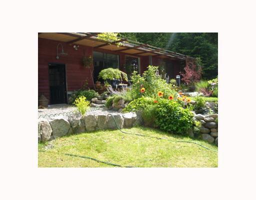 Main Photo: 7040 SKANA Crescent in Sechelt: Sechelt District House for sale (Sunshine Coast)  : MLS®# V755849